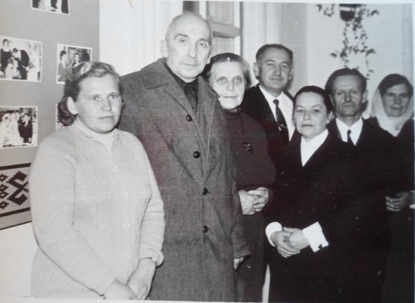Злева направа: Ірына Тукальская, Янка Геніюш, Ларыса Геніюш